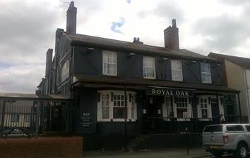 Thumbnail Pub/bar for sale in Royal Oak, 7 Dudley Port, Tipton, West Midlands
