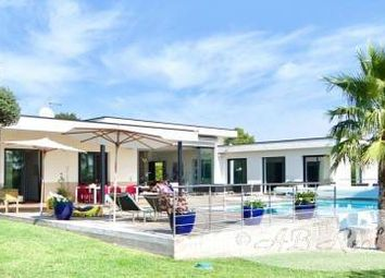 Thumbnail 5 bed villa for sale in Nismes, France