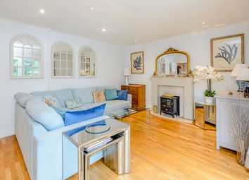 Thumbnail 4 bed detached house to rent in Fernbank Road, Ascot
