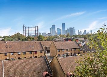 Swan Road, London SE16. 2 bed flat for sale