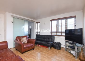 2 bed flat to rent in Elvedon Road, Feltham TW13