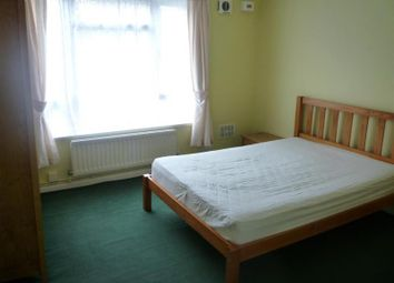 Thumbnail 2 bed flat to rent in Mays Lane, Barnet