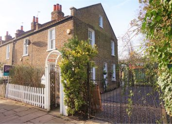 Thumbnail 2 bed cottage to rent in Cemetery Road, London
