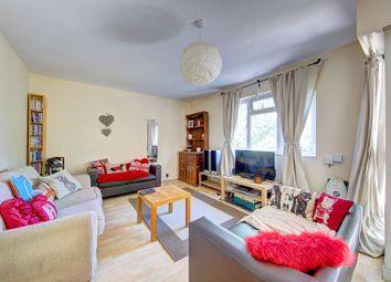 3 bed flat to rent in Dalmeny Court, Jeffrey's Walk, Stockwell SW4