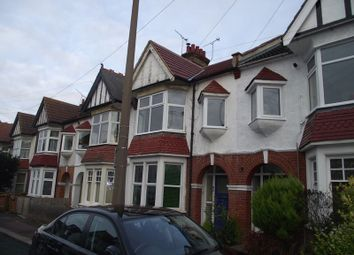 Thumbnail 1 bed flat to rent in Westbourne Grove, Westcliff-On-Sea