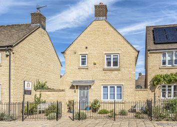 Thumbnail 3 bed detached house for sale in Beech Grove, Witney, Oxfordshire