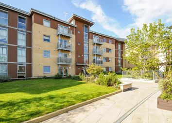 Thumbnail 1 bed flat to rent in Kelvin Gate, Bracknell