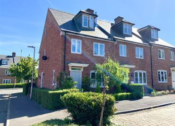 Thumbnail 3 bed property for sale in Woodhouse Gardens, Greenham, Thatcham