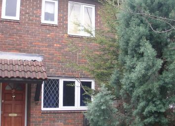 3 bed terraced house to rent in Greenham Close, London SE1