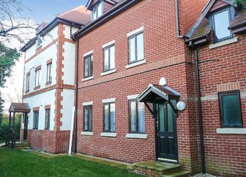 Thumbnail 2 bed flat to rent in Crossborough Gardens, Basingstoke