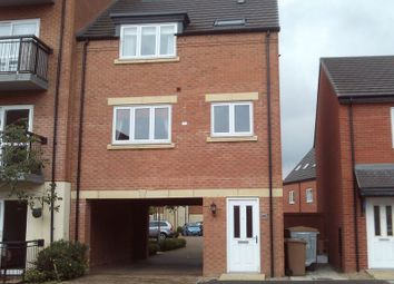 2 bed property to rent in Iris Crescent, Lincoln LN1