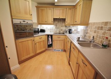 Thumbnail 2 bed flat for sale in Hart Road, Benfleet