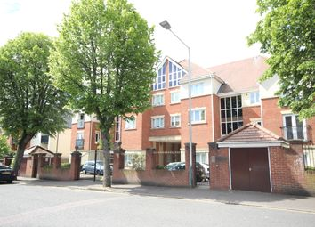 Thumbnail 2 bedroom flat to rent in Junction Road, Romford