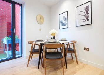 2 bed flat for sale in City Island Way, London E14