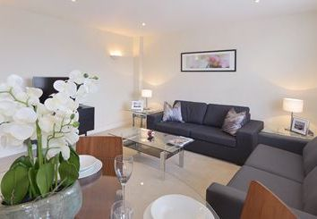 Thumbnail 2 bed flat to rent in Mayfair, London