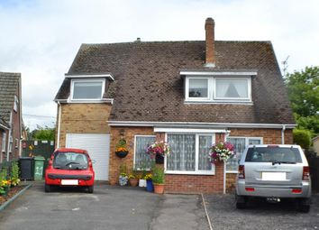 Thumbnail 3 bed detached house for sale in The Alders, Thatcham
