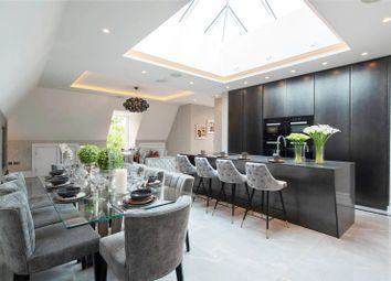 Thumbnail 2 bedroom flat for sale in Chase Side, London