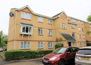 Thumbnail 2 bed flat for sale in The Glen, Basildon