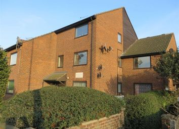 Thumbnail 2 bed flat to rent in Hall Lane, London
