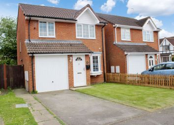 Thumbnail 3 bed detached house for sale in Sheriden Close, Dunstable