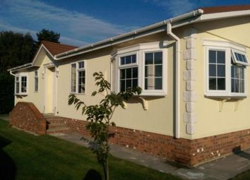 Thumbnail 2 bed mobile/park home for sale in Warfield Street, Warfield, Bracknell