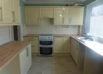 Thumbnail 2 bed flat to rent in Marine Parade East, Clacton-On-Sea