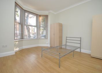 Thumbnail 6 bed triplex to rent in Leasowes Road, Leyton