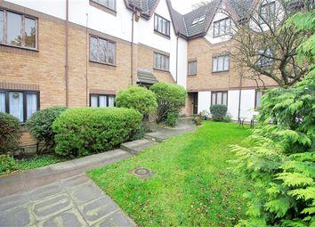 Thumbnail Flat to rent in Colindeep Lane, London