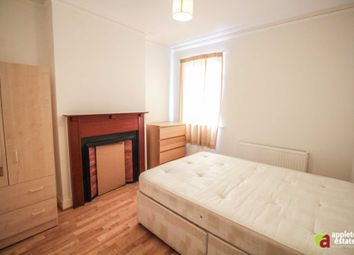 Thumbnail Room to rent in Newlands Woods, Bardolph Avenue, Forestdale, Croydon