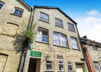 Thumbnail 2 bed flat to rent in King Street, Royston