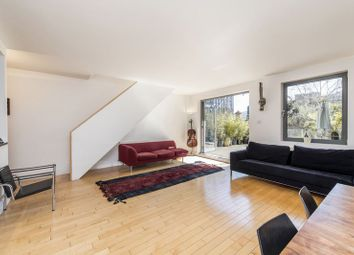 Thumbnail 3 bedroom flat to rent in Hoptons Gardens, Hopton Street, London