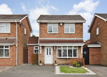 Thumbnail 3 bed detached house for sale in Lapwing Close, Cheslyn Hay, Walsall
