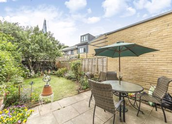 Thumbnail 4 bed property for sale in Gatehouse Square, London