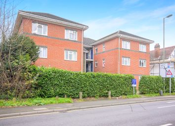 1 bed flat to rent in Parvis Road, West Byfleet KT14