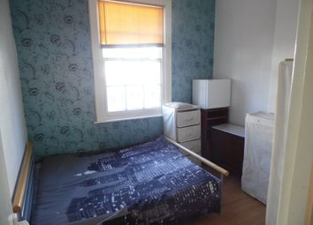 Thumbnail Room to rent in Queens Road, Brighton