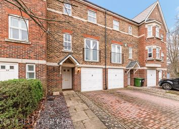 Thumbnail 3 bed flat to rent in Cavendish Walk, Epsom