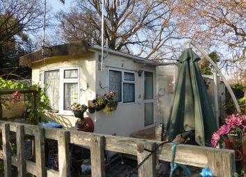 Thumbnail 1 bed mobile/park home for sale in Meadowside Park, Lingfield
