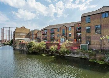 Thumbnail 1 bed flat to rent in Regents Wharf, Hackney