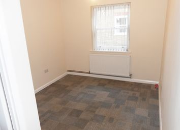 Thumbnail 1 bedroom flat to rent in Jubilee Road, High Wycombe