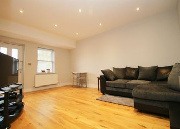Thumbnail 1 bed flat to rent in Crown Street, Brentwood