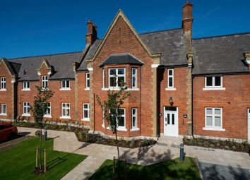 Thumbnail 2 bed flat for sale in Hedges Way, Aylesbury