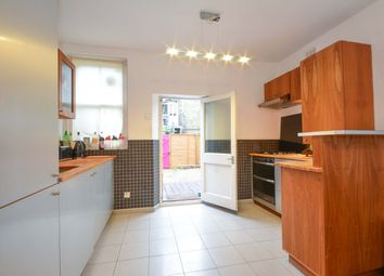 Thumbnail 3 bed flat to rent in Cato Road, Clapham