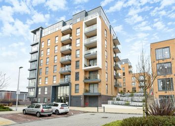 Thumbnail 2 bedroom flat for sale in Skylark House, Reading
