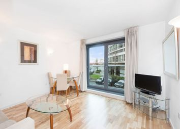 Thumbnail 1 bed flat to rent in New Providence Wharf, New Providence Wharf, 1 Fairmont Avenue, London