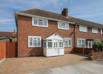 3 bed property for sale in Lynton Avenue, Romford RM7