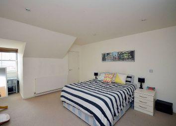 Thumbnail 1 bedroom flat to rent in Tottenham Road, De Beauvoir Town