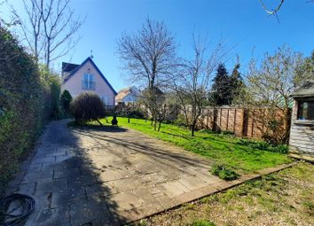 3 bed detached house for sale in Harlow Road, Roydon, Harlow CM19