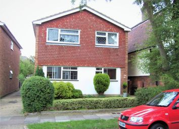 Thumbnail 2 bedroom flat to rent in Kingswood Chase, Leigh-On-Sea