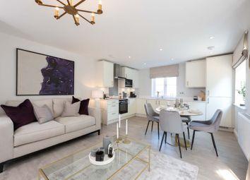 2 bed flat for sale in Croft Road, Godalming, Surrey GU7
