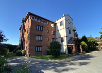 Ravine Road, Canford Cliffs, Poole BH13. 3 bed flat